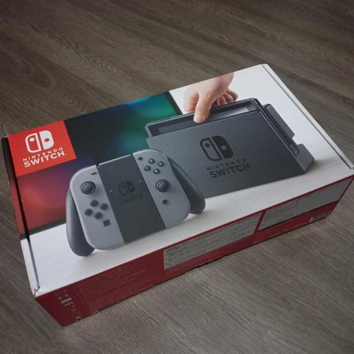 Упаковка консоли Nintendo Switch